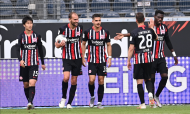 Eintracht Frankfurt-Paderborn: Bas Dost e André Silva marcaram (Sascha Steinbach/EPA)