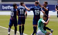 Levante-Betis (Manuel Lorenzo/EPA)