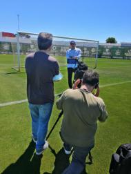 Nova série documental de Iker Casillas passou pelo estádio do Rio Ave (Movistar+)