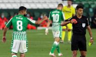 Fekir expulso por Gil Manzano no Betis-Villarreal (Julio Muñoz/EPA)