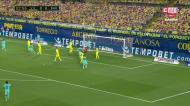 Autogolo de Pau Torres adianta o Barça aos 3 minutos frente ao Villarreal