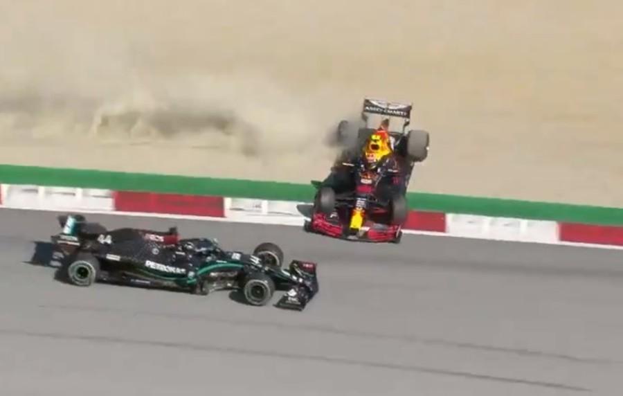 Incidente entre Albon e Hamilton (Reprodução Twitter F1)