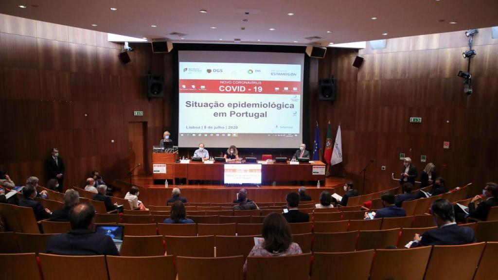 Reunião no Infarmed sobre a situação epidemiológica em Portugal