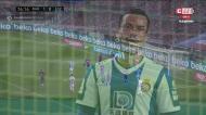 Raúl de Tomás com elevação à Ronaldo, mas Piqué salvou o Barcelona