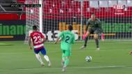 Casemiro facilita e o Granada aproveita para reduzir frente ao Real Madrid