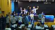 Jogadores invadem sala de imprensa e «acabam» com conferência de Conceição