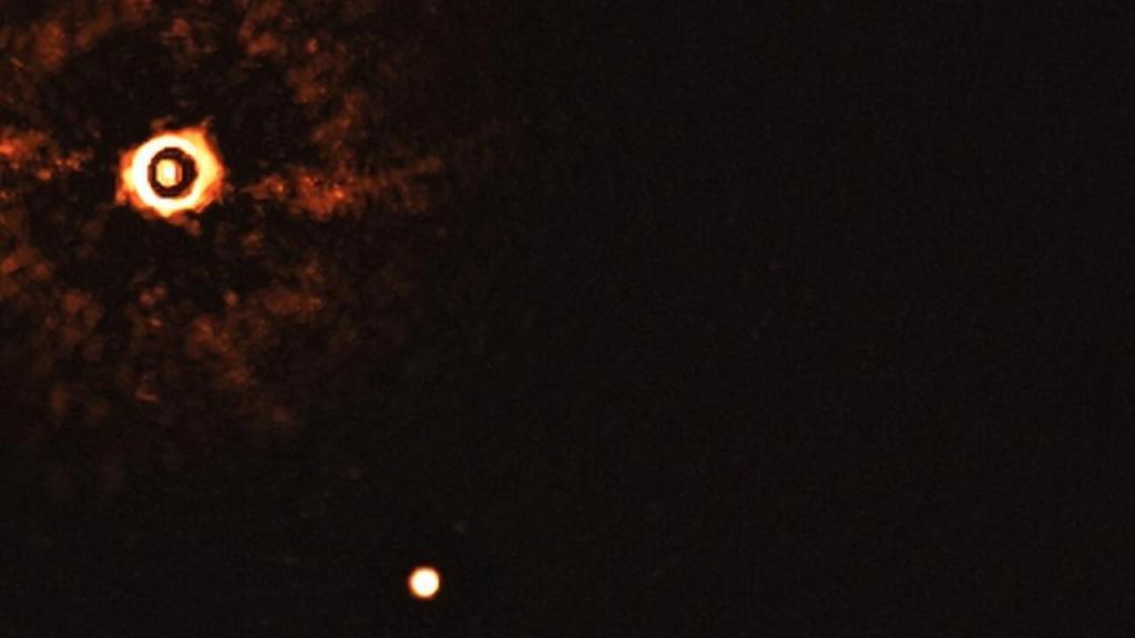 Primeira imagem de dois planetas fora do Sistema Solar em torno de estrela semelhante ao Sol