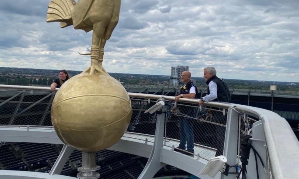 Mourinho no topo do estádio do Tottenham (Instagram José Mourinho)