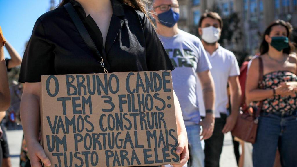 Protesto no Porto em homenagem a Bruno Candé
