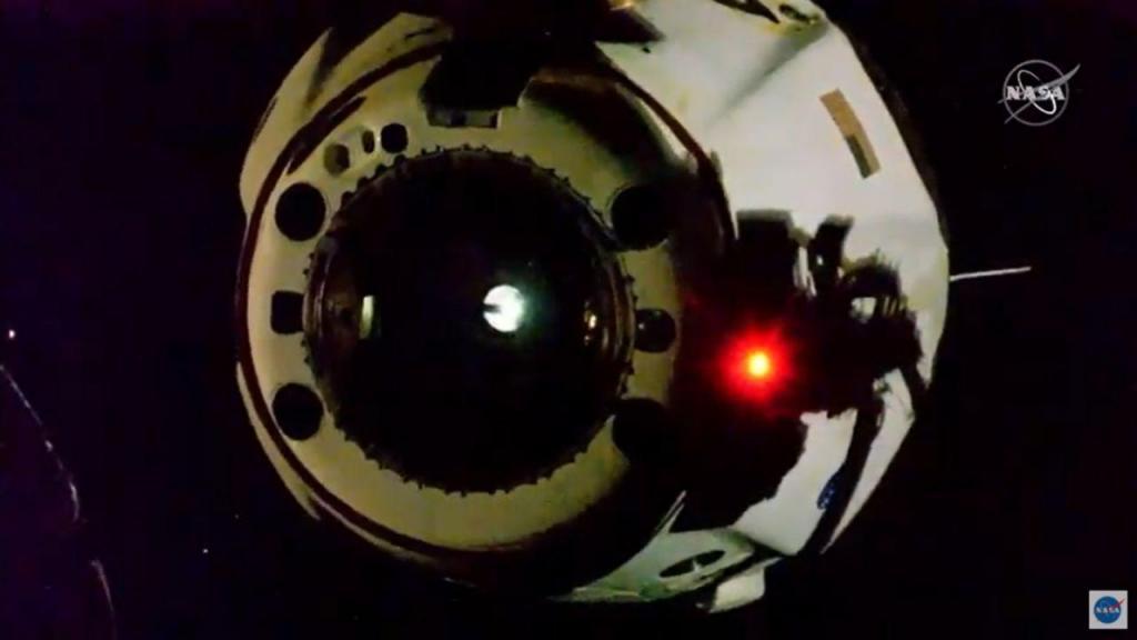 Cápsula Dragon, da empresa SpaceX, já iniciou o seu regresso à Terra