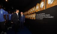 Plantel do FC Porto entregou os troféus no Museu do clube (twitter)