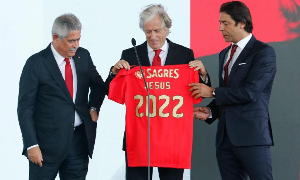 Jorge Jesus apresentado no Benfica (Lusa)
