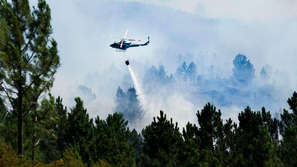 Canadair cai durante combate a incêndio