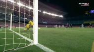 Suárez faz o terceiro para o Barcelona de penálti