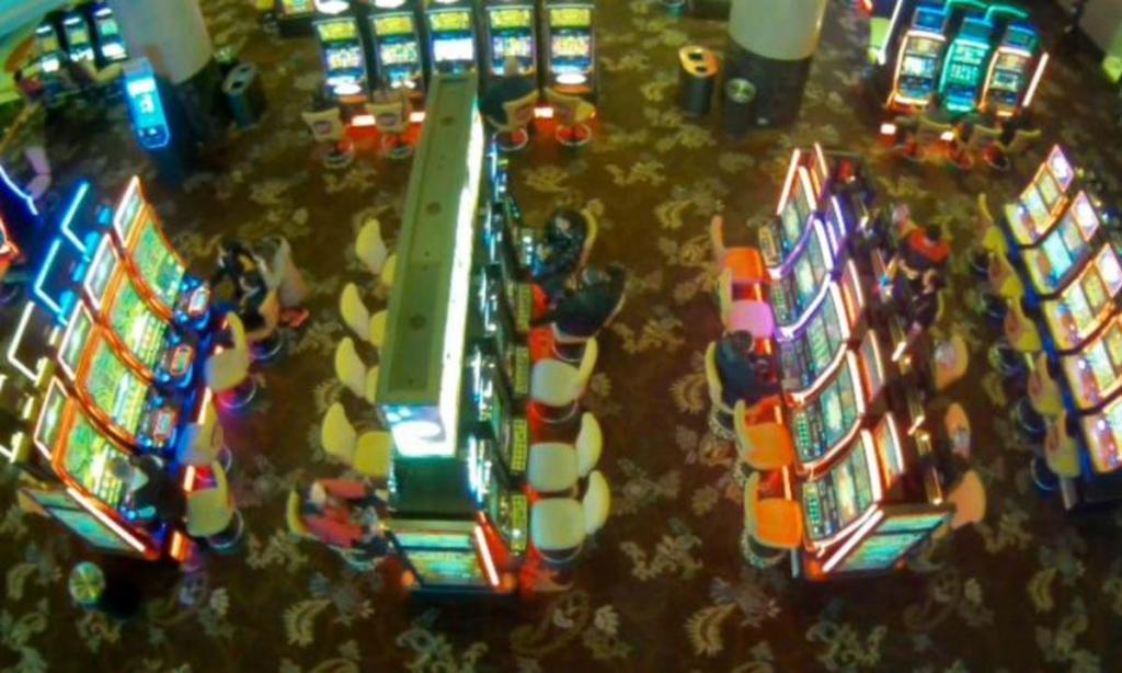 Casino multado por deixar menina de doze anos entrar