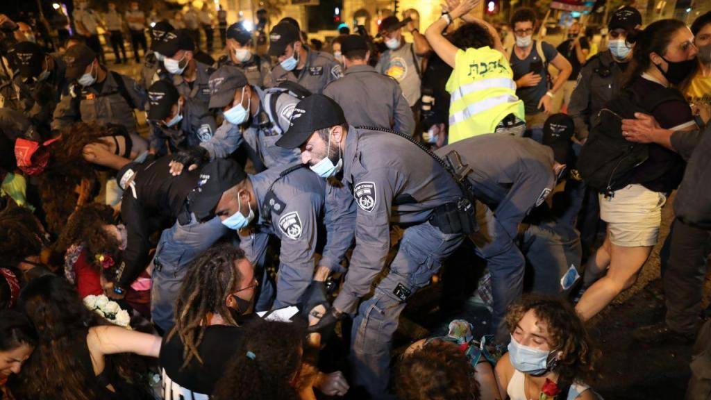 Jerusalém sai à rua para pedir a demissão de Netanyahu