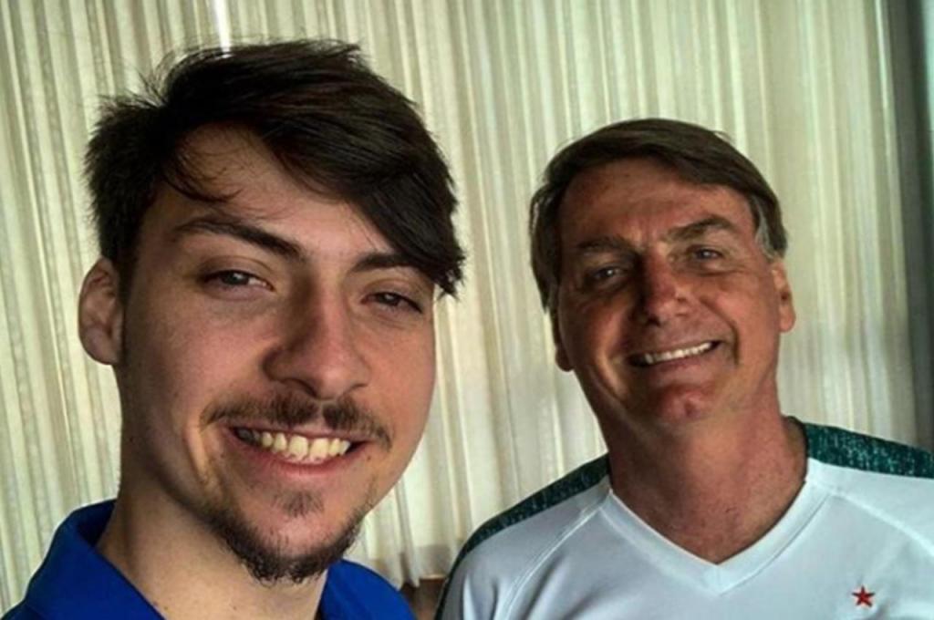 Renan Bolsonaro e Jair Bolsonaro
