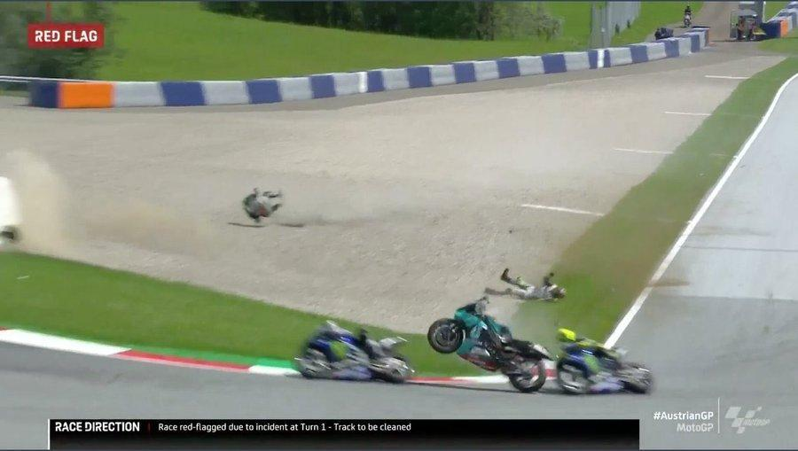 Acidente entre Morbidelli e Zarco no MotoGP (twitter)