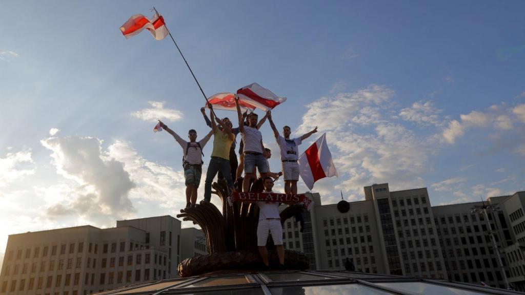 Cerca de 200 mil manifestam-se na Bielorrússia