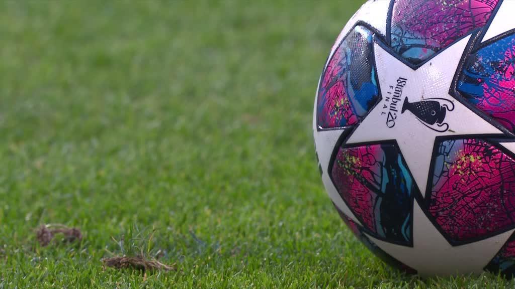 Champions: UEFA mudou final para Lisboa, mas a bola 'ficou' em Istambul