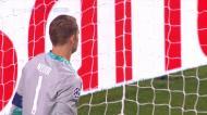Di Magia abre o livro outra vez, mas Neuer é um muro