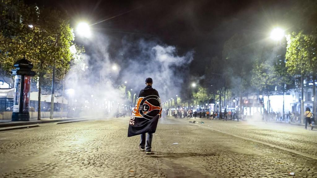 Adeptos do PSG envolvem-se em confrontos com a polícia