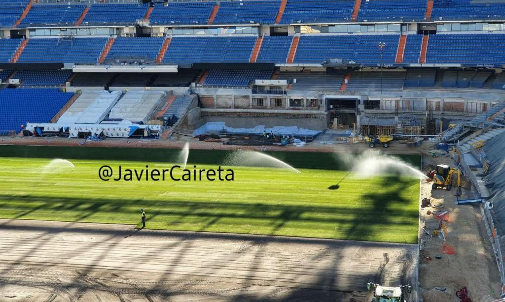 Santiago Bernabéu já tem relvado