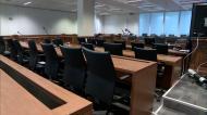 A maior sala de audiências do país é pequena para julgamento de Rui Pinto