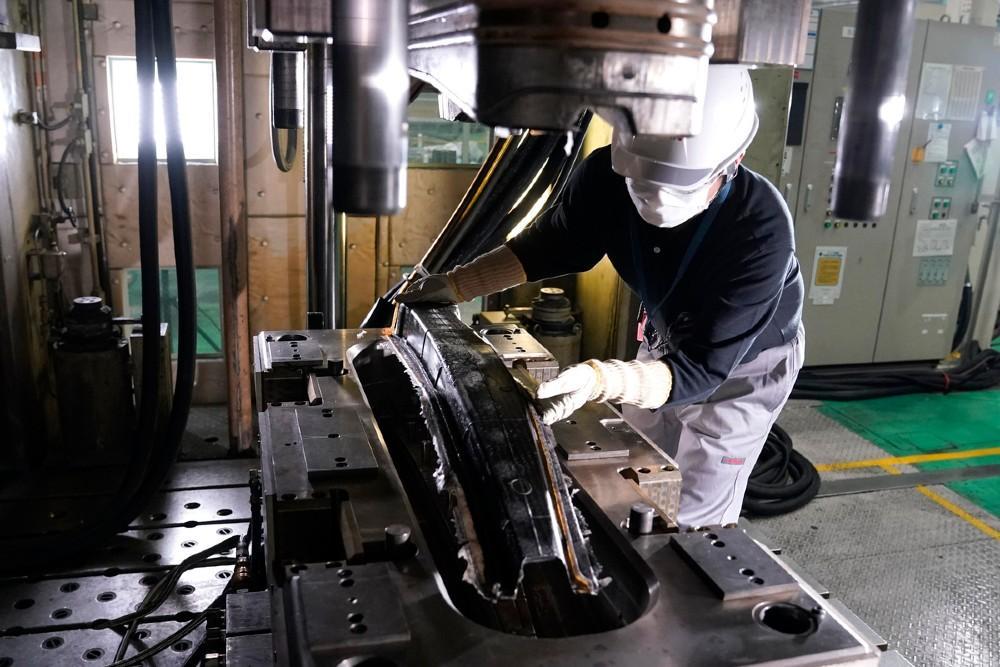 Nissan peças em fibra de carbono