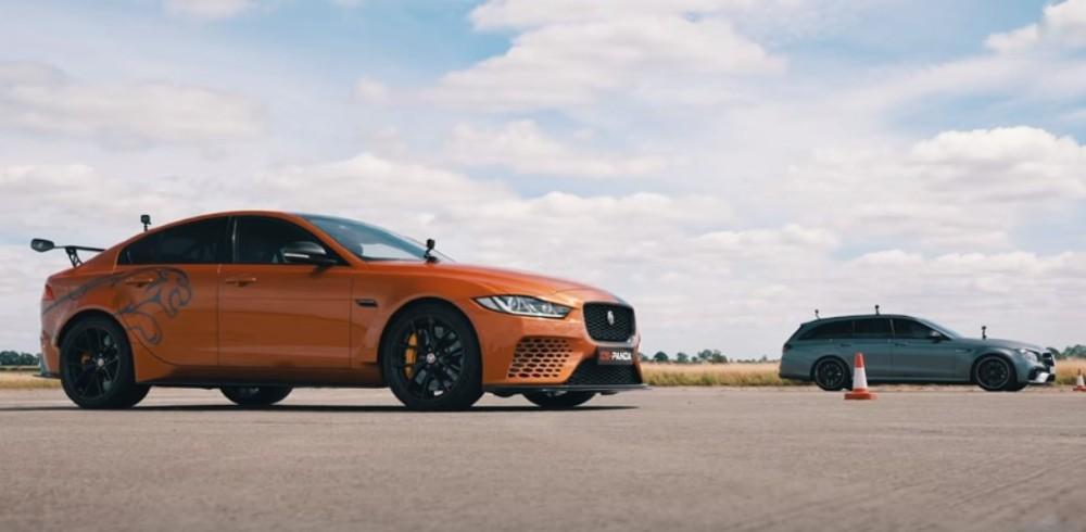 Jaguar Project 8 vs Mercedes-AMG E63 S  (Reprodução Youtube Carwow)