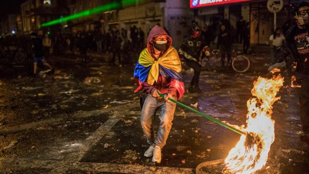Caso de violência policial desencadeia protestos na Colômbia