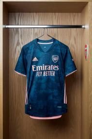 Terceiro equipamento do Arsenal para 2020/21
