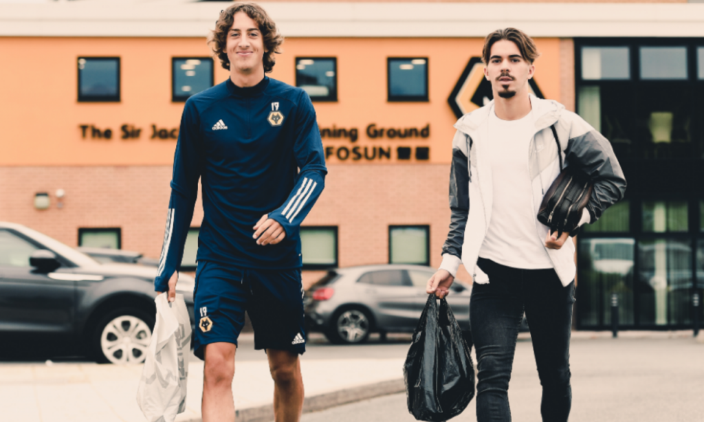 Fábio Silva e Vítor Ferreira no Wolverhampton (Wolverhampton FC)