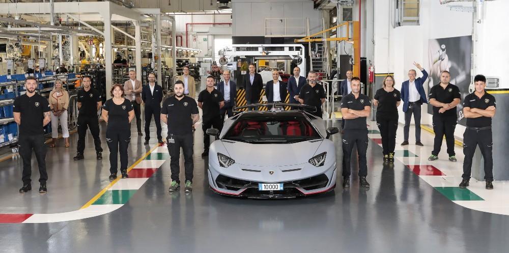 Lamborghini Aventador 10.000