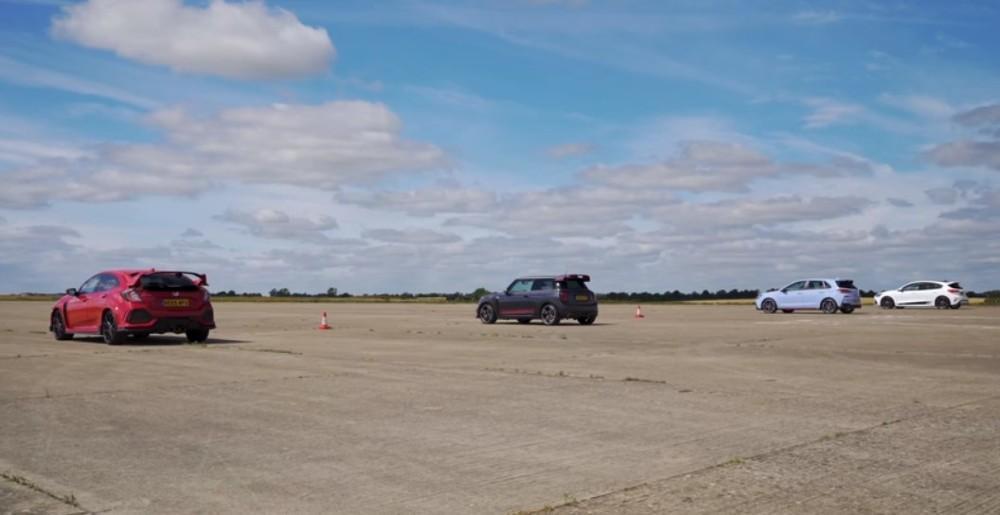 Type R vs Mini GT vs Hyundai I30 N vs Focus ST (Reprodução Youtube Carwow)
