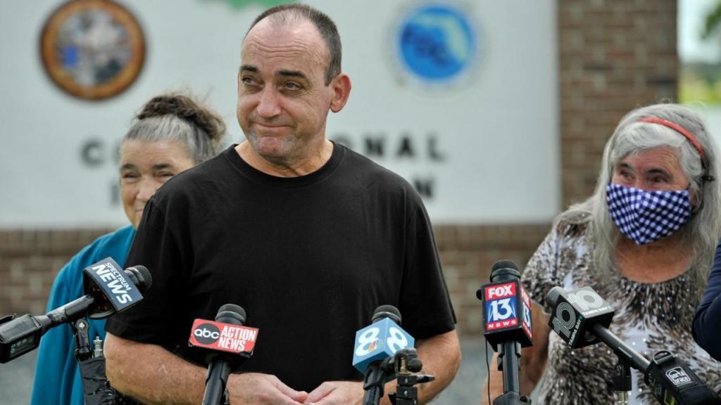 Robert DuBoise esteve preso 37 anos por crimes que não cometeu
