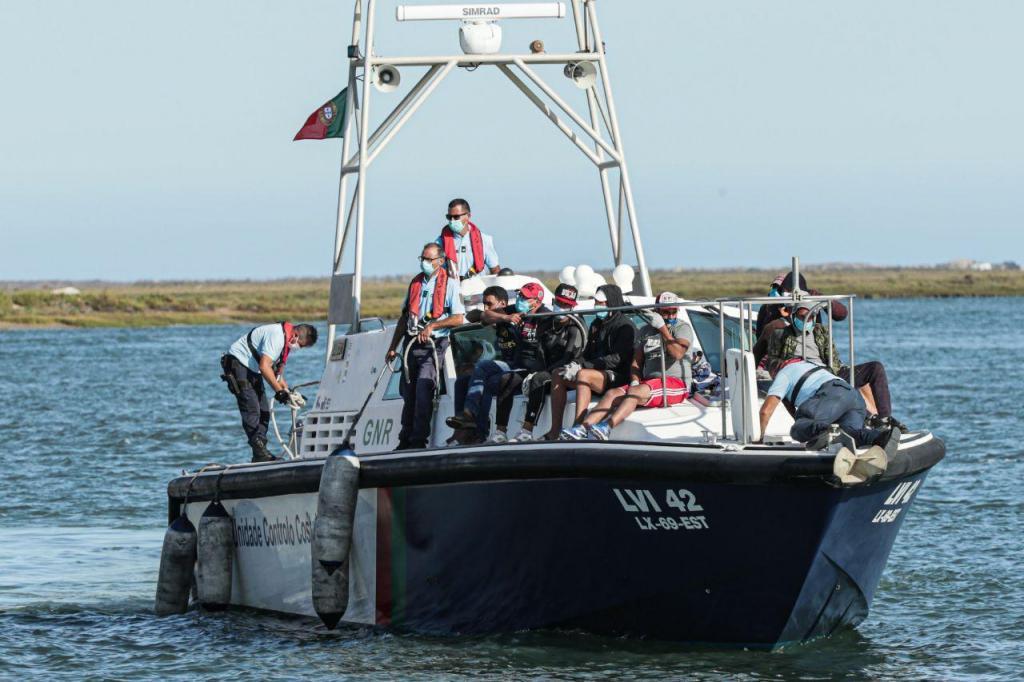 Vinte e oito migrantes intercetados pela GNR e pela Polícia Marítima, no Algarve