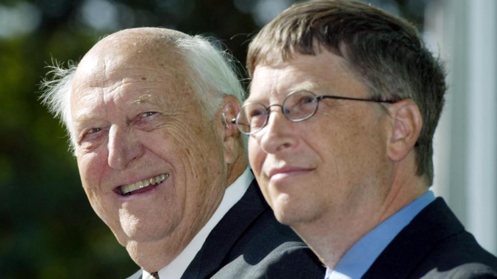 Bill Gates, fundador da Microsoft, com o pai, Bill Gates Sr.