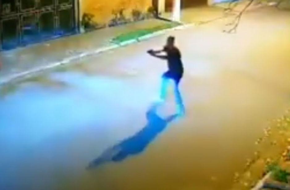 Tentativa de carjacking no Brasil (reprodução YouTube)