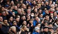 Adeptos num jogo da Premier League, entre Chelsea e Everton, em março de 2020 (Matt Dunham/AP)