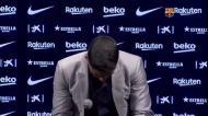 Luis Suárez vai às lágrimas ao despedir-se do Barcelona