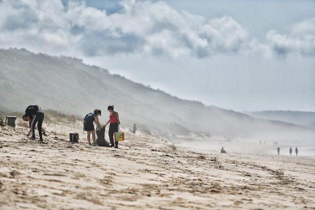 Ação de limpeza de lixo marinho