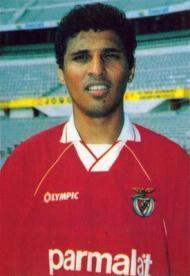 Paulo Pereira: foram cinco épocas de dragão ao peito, com uma passagem pelo Vitória de Guimarães pelo meio, antes de duas épocas no Benfica (1994-1996)