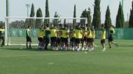 Pedro Gonçalves «praxado» no regresso aos treinos