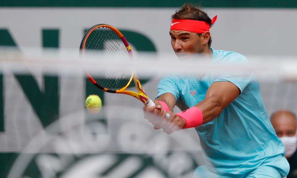 Rafael Nadal na terceira ronda de Roland Garros após vitória sobre Mackenzie McDonald (Christophe Ena/AP)