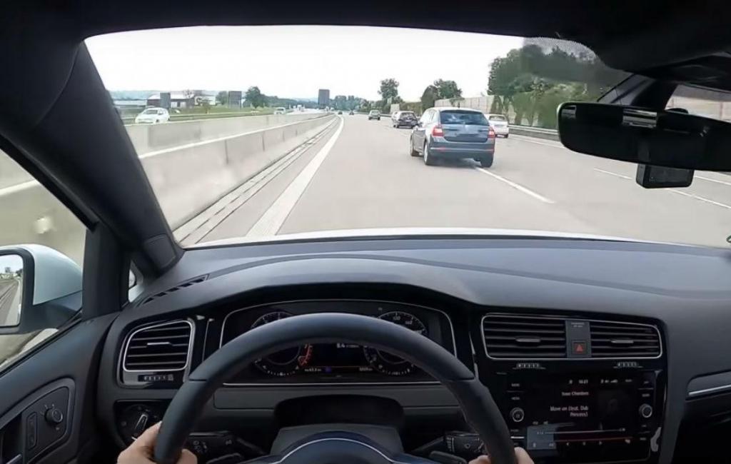 Condutor filma-se a ter acidente na Autobahn (reprodução YouTube Carpool of Eren)
