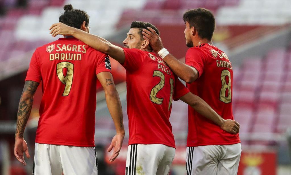 Benfica-Farense