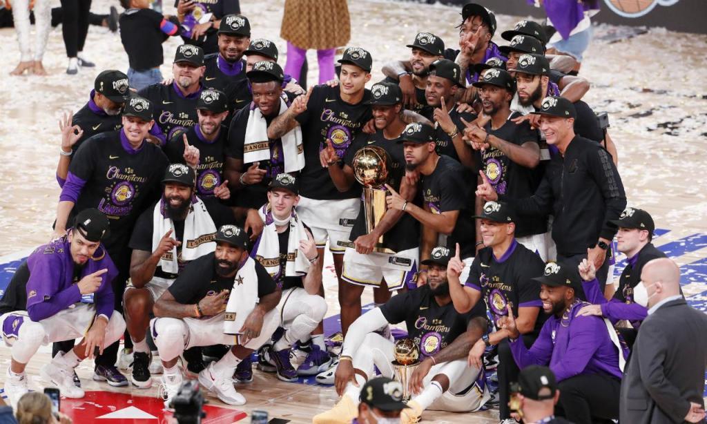 LA Lakers batem Heat e sagram-se campeões da NBA (EPA/ERIK S. LESSER)