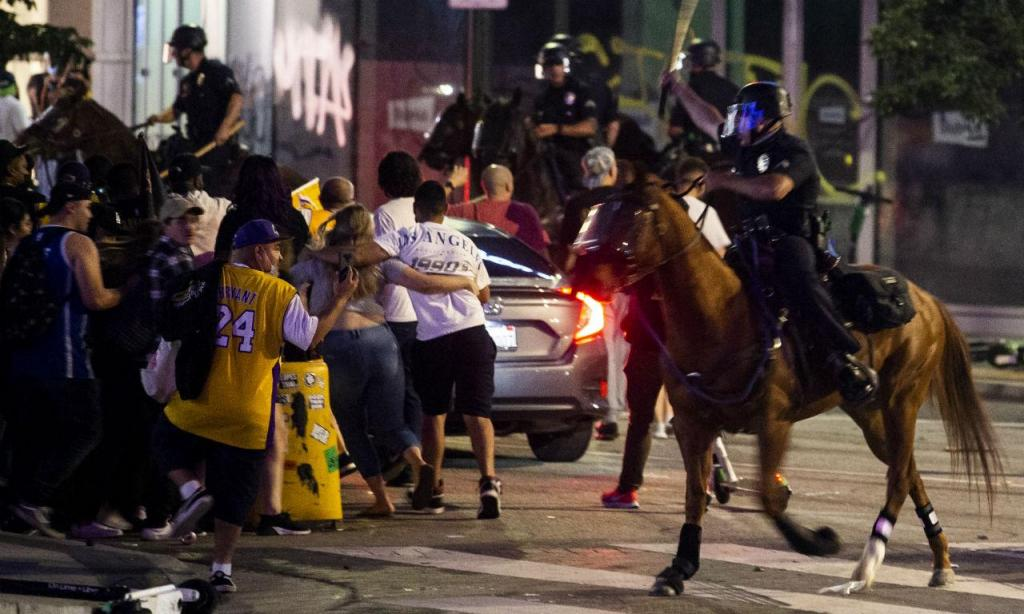 Distúrbios em Los Angeles depois da vitória dos Lakers