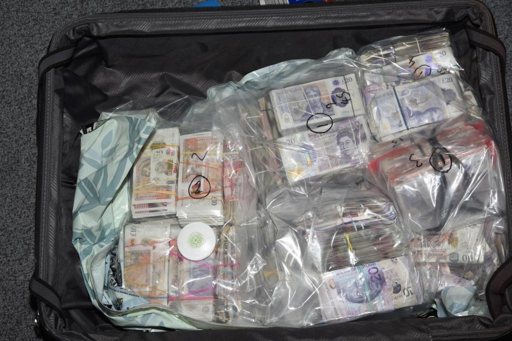 Dinheiro na mala